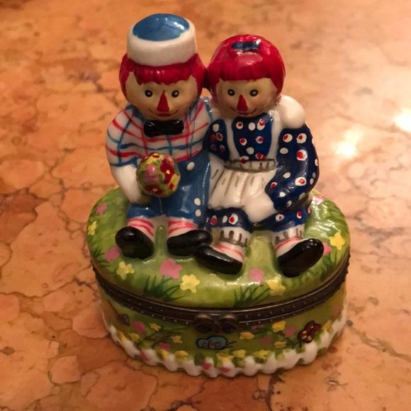 Raggedy Ann & Andy porcelain trinket box